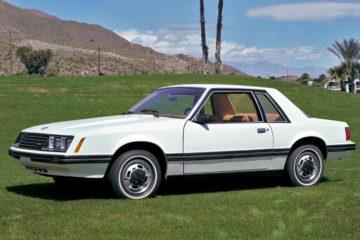 15年のロングセラーとなった4代目モデル(1979)