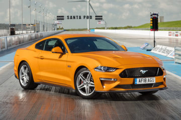フォード マスタング ファストバック 5.0 V8 GT UK仕様