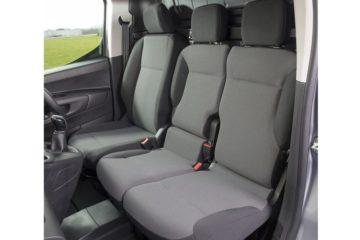 機能性が魅力のMulti-Flex modular folding bench seat