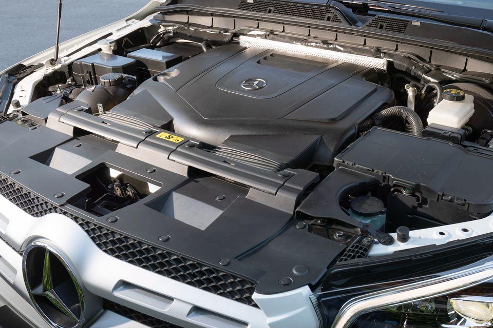 x350dに搭載されるV型6気筒3.0Lディーゼルエンジン