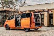 フォード トルネオ・カスタム(リア:SPORT L1)開口部も広くたくさんのレジャーアイテムを搭載可能です