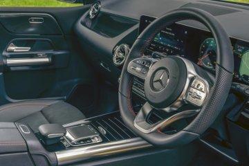 運転支援システムはステアリング上のスイッチで操作可能