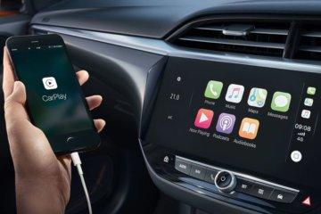 標準搭載のタッチスクリーンはAppleCarPlay/AndroidAuto対応