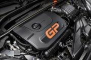 歴代最強の306psを発揮する2.0L 直4 ツインターボエンジン