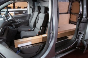 SmartCargoは長尺物の積載と荷室容量拡大が可能