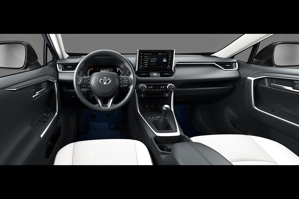 Toyota RAV4 MT interior