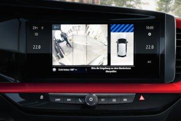 Opel Pure Panelに組み込まれたタッチスクリーンディスプレイ