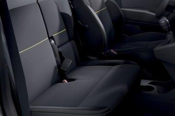 カングーバンに設定されるフロント3人掛けシート