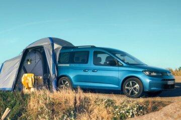 モジュラーテント接続でフル乗車でもキャンプ可能